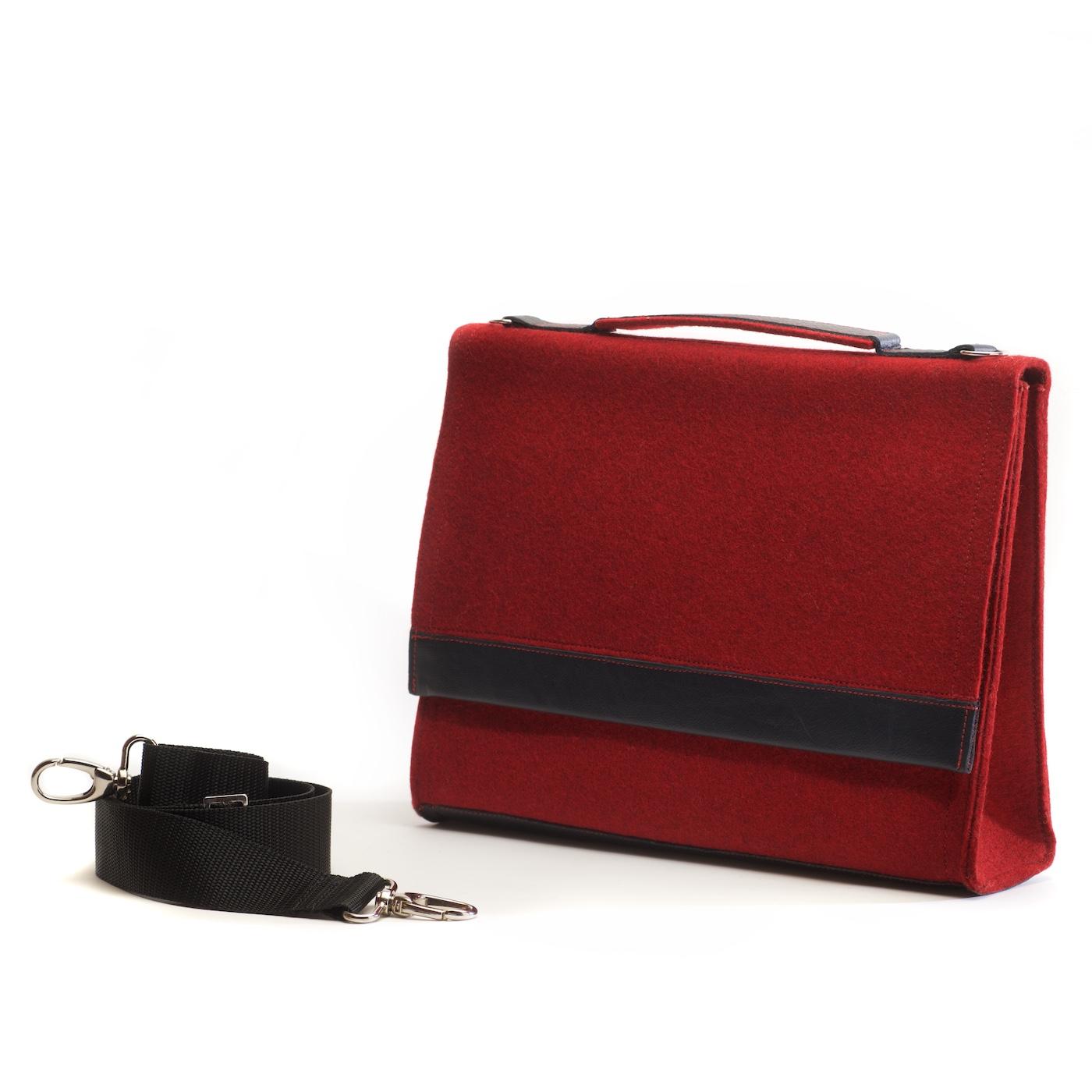 Die Handtasche Sophie in der Farbkombination Rot-Schwarz 4