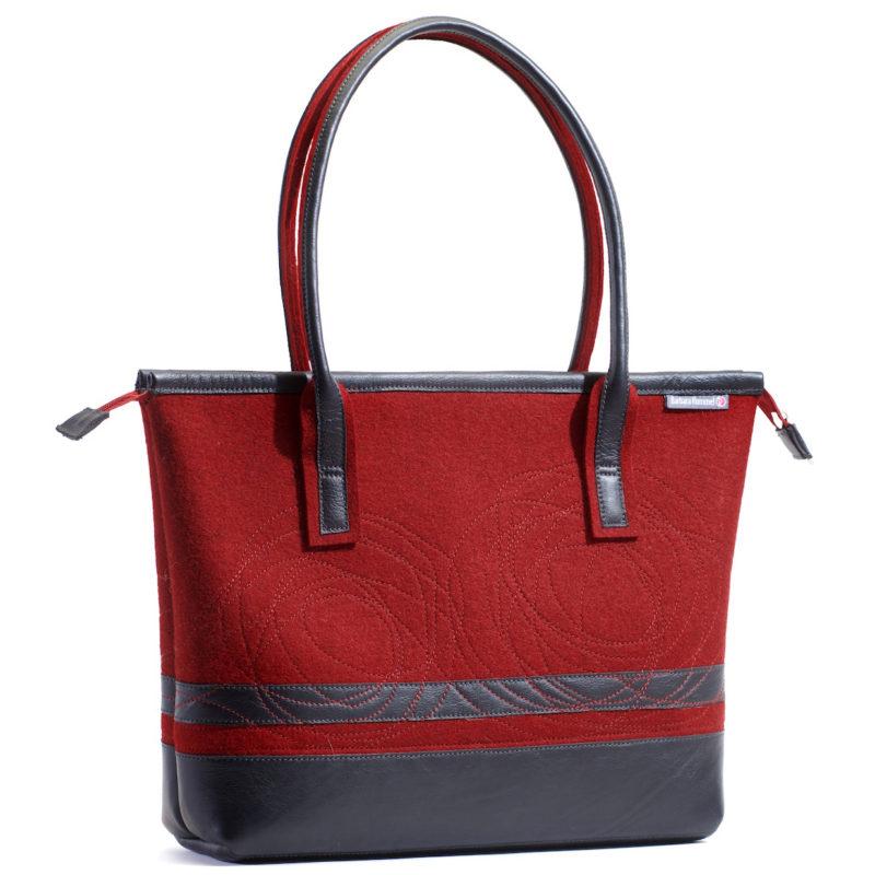 Handtasche Thea in der Farbkombination Kirsch-Schwarz